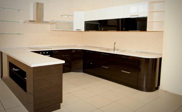 №1 Кухня-остров (hi-tech)