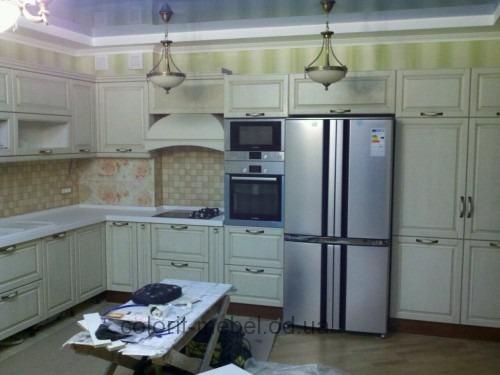 Виды фасадов для кухни: преимущества и недостатки каждого материала