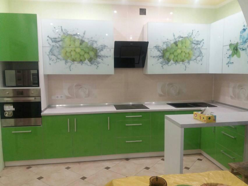 Кухня модерн №12 с фотопечатью винограда