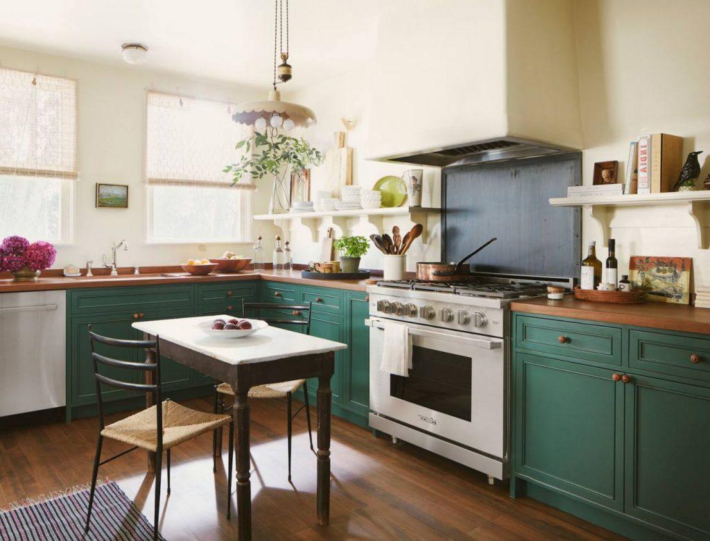 Угловая кухня без верхних шкафов №51 минимализм
