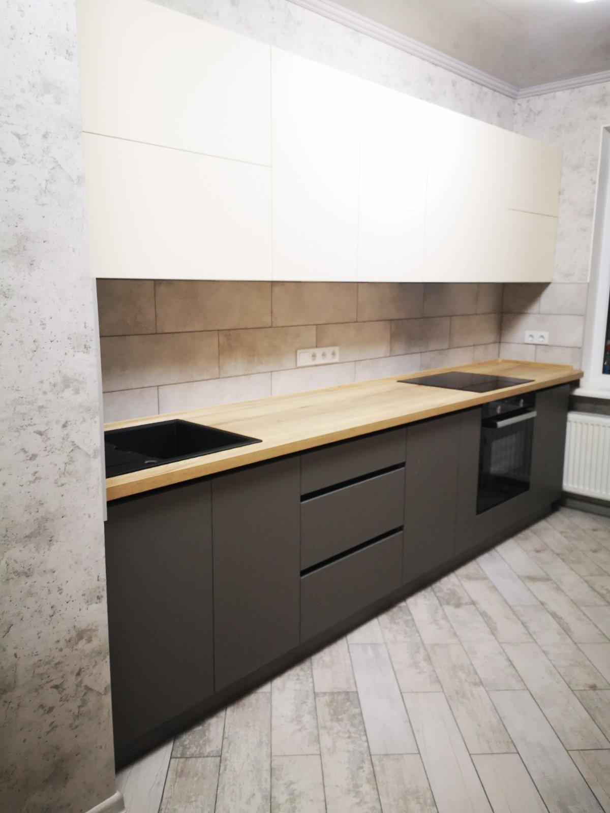 Прямая кухня без ручек минимализм