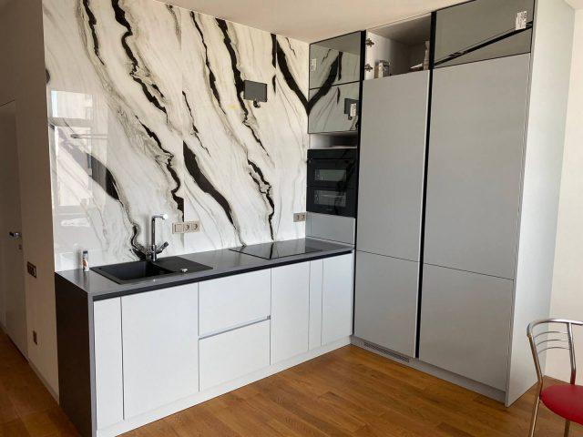 Стильная кухня с матовыми крашеными фасадами